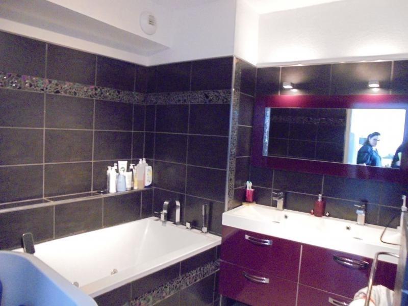 Sale apartment Aimargues 174000€ - Picture 3