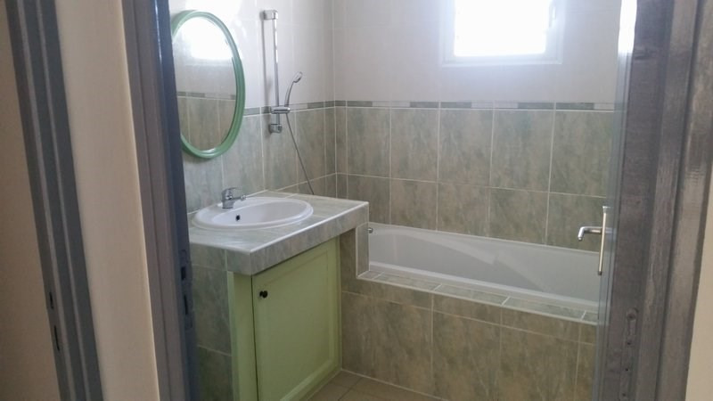 Rental apartment St andre 750€ CC - Picture 3