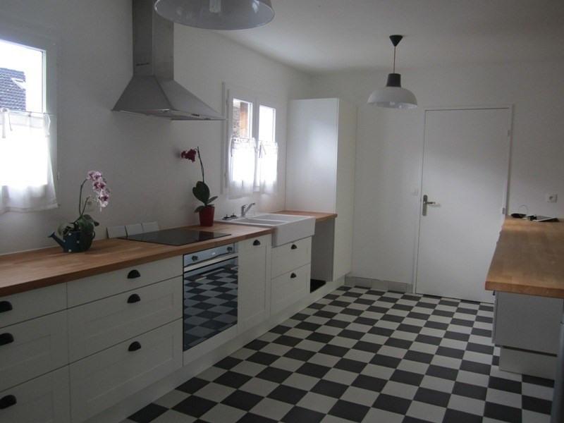 Rental house / villa Voisins le bretonneux 2200€ CC - Picture 3