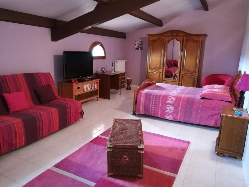 Deluxe sale house / villa L isle jourdain 627000€ - Picture 5
