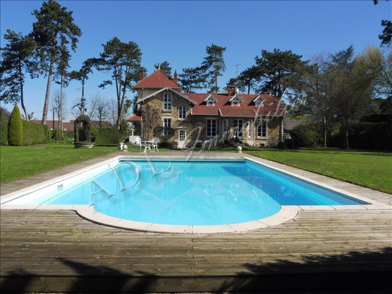 Deluxe sale house / villa Gouvieux 1090000€ - Picture 1