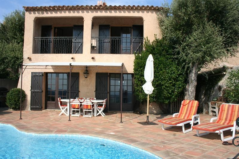Vacation rental house / villa Les issambres 2 325€ - Picture 1