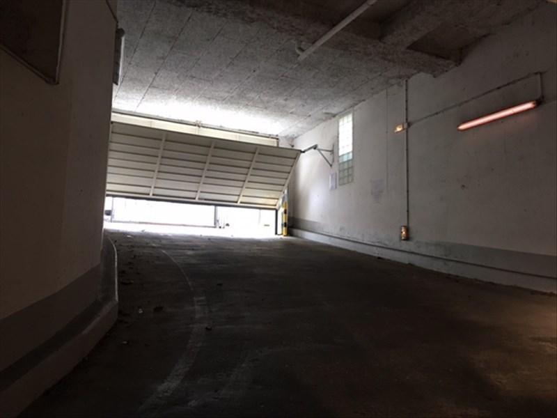 Rental parking spaces St cloud 105€ CC - Picture 6