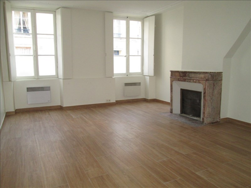 Rental apartment Versailles 965€ CC - Picture 1
