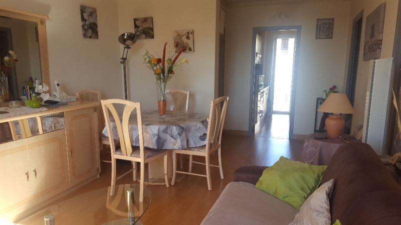 Sale apartment Hyeres 168000€ - Picture 1