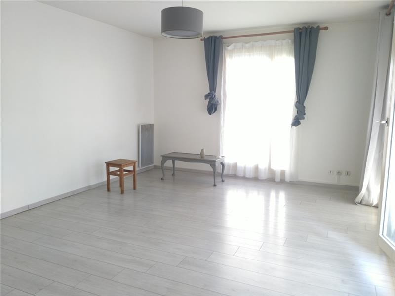 Rental apartment Osny 680€ CC - Picture 2