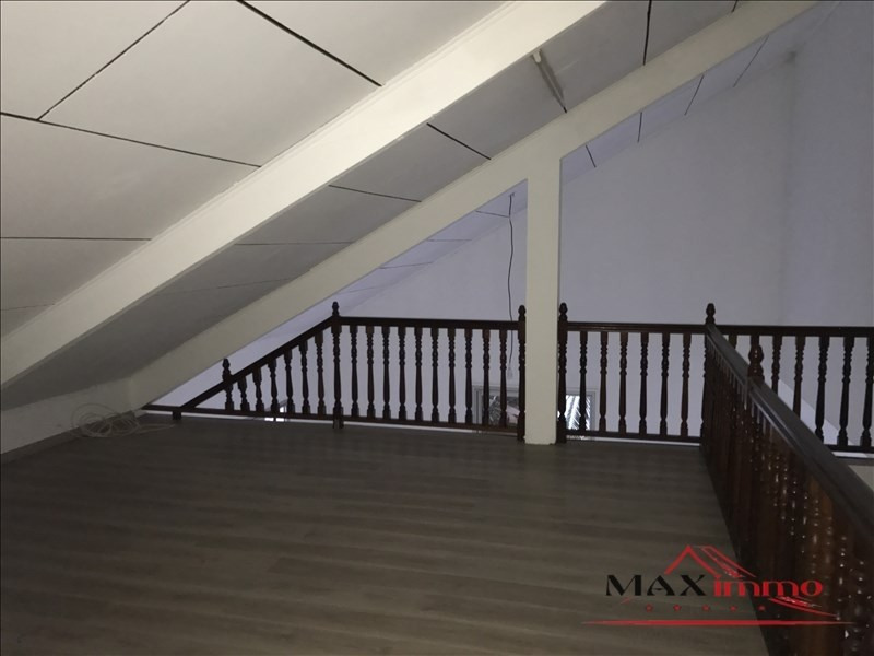 Location maison / villa Saint-louis 1 059€ CC - Photo 5