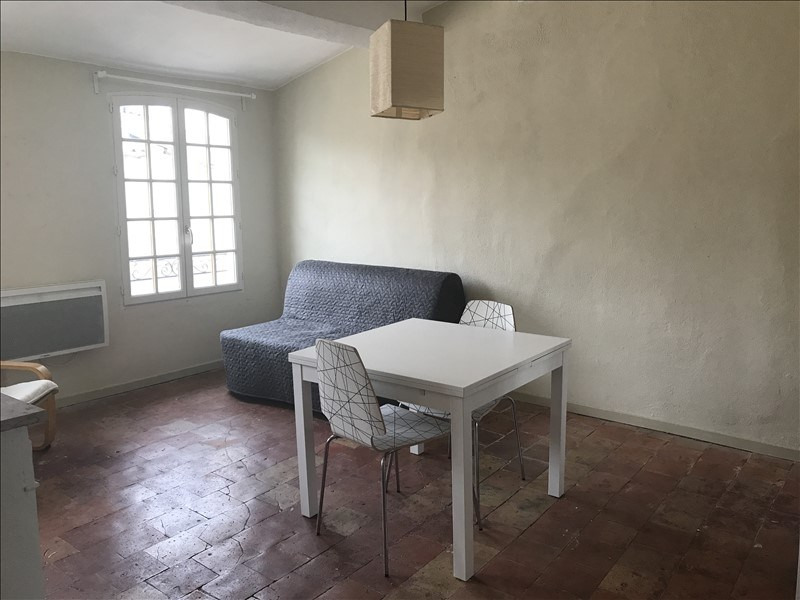 Rental apartment Aix en provence 560€ CC - Picture 1