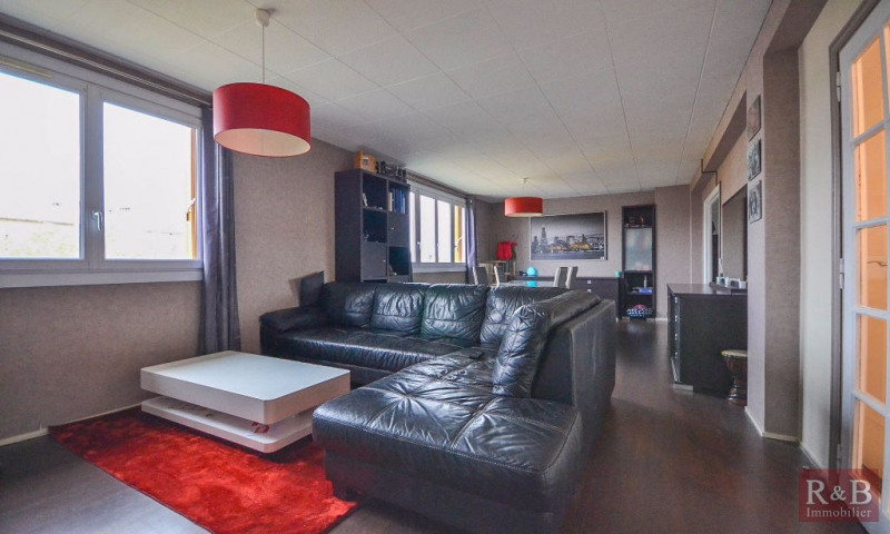 Sale apartment Les clayes sous bois 215000€ - Picture 2