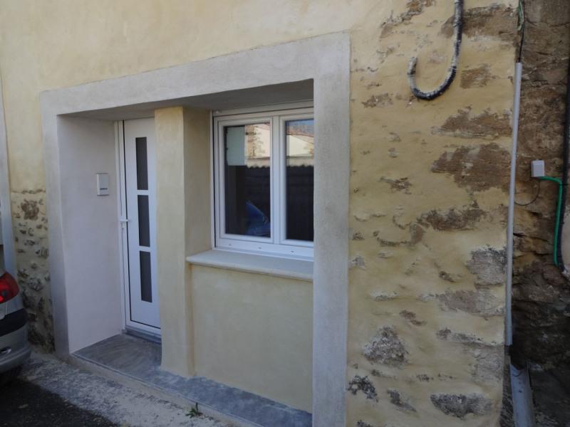 Rental apartment Entraigues sur la sorgue 380€ CC - Picture 1