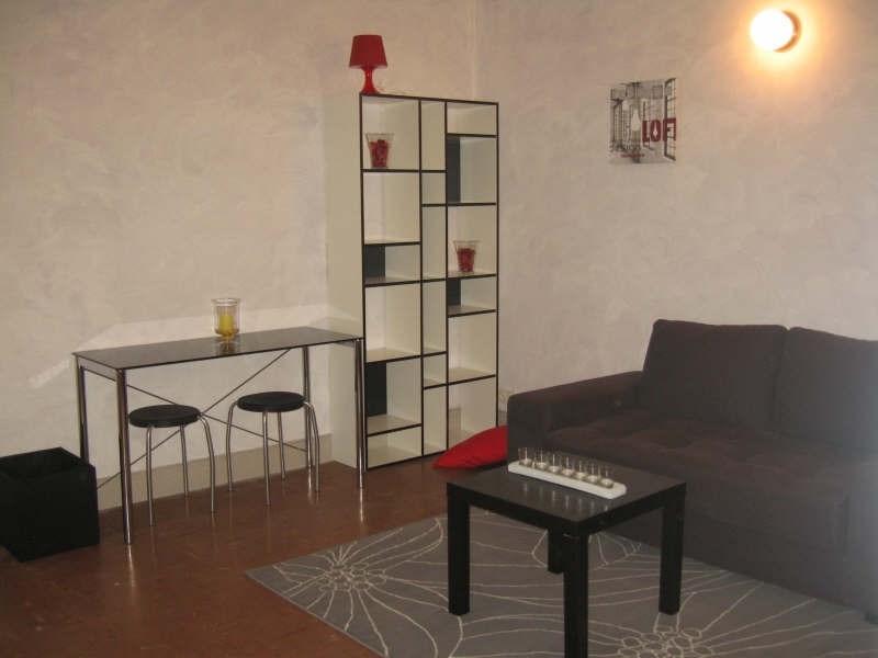 Verhuren  appartement Nimes 380€ CC - Foto 1