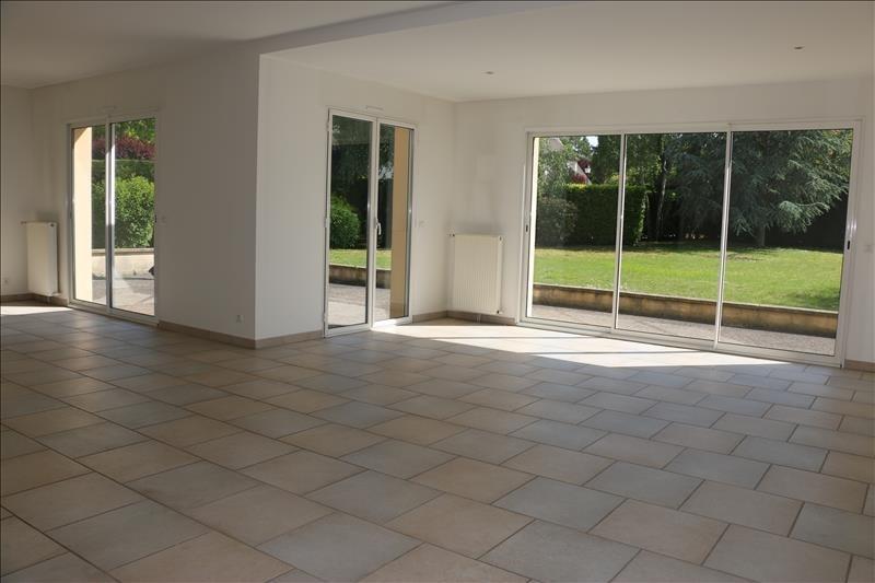 Deluxe sale house / villa Noisy le roi 1095000€ - Picture 2