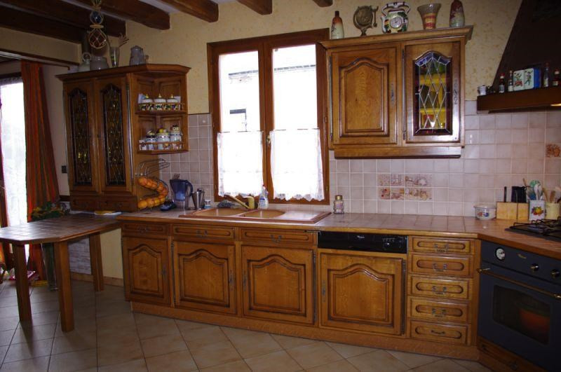 Sale house / villa Crevecoeur le grand 262 000€ - Picture 3