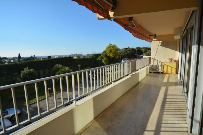 Sale apartment Antibes 217 000€ - Picture 2