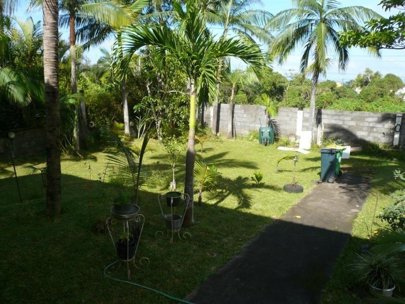 Sale house / villa La saline 295000€ - Picture 4