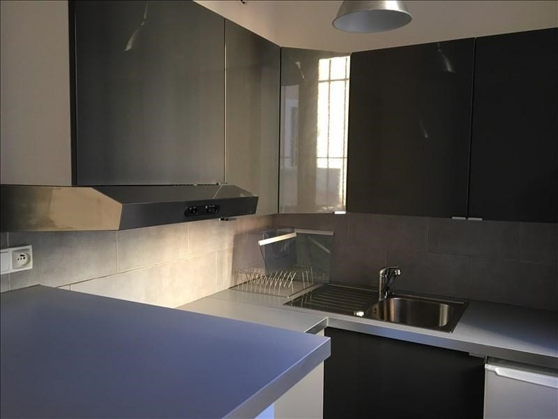 Rental apartment Aix en provence 789€ CC - Picture 2
