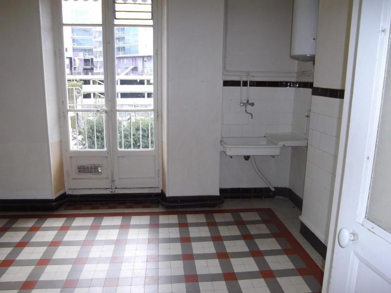 Location appartement Grenoble 435€ CC - Photo 3