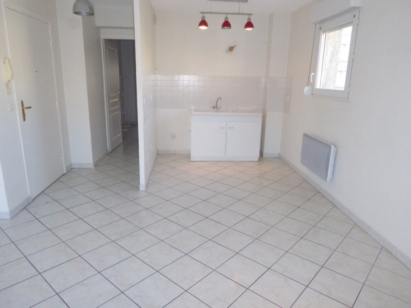 Location appartement Aubenas 545€ CC - Photo 2