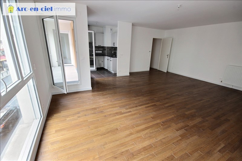 Rental apartment St denis 1 350€ CC - Picture 5