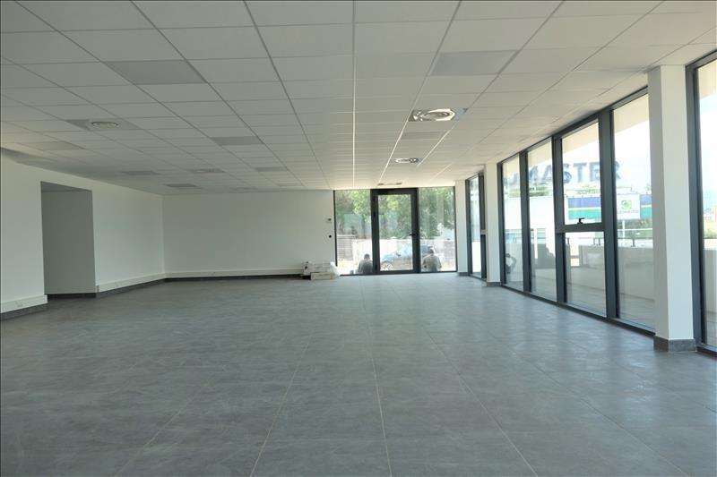 Location local commercial Aubagne 2900€ HT/HC - Photo 3