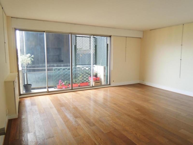 Rental apartment Paris 8ème 1390€ CC - Picture 2