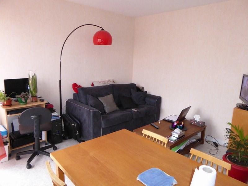 Rental apartment Maurepas 717€ CC - Picture 1