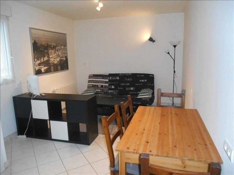 Rental apartment St julien les villas 320€ CC - Picture 1