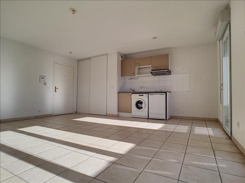 Rental apartment Le cannet 660€ CC - Picture 3