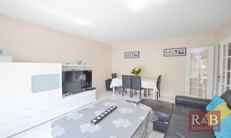 Sale apartment Plaisir 202000€ - Picture 2