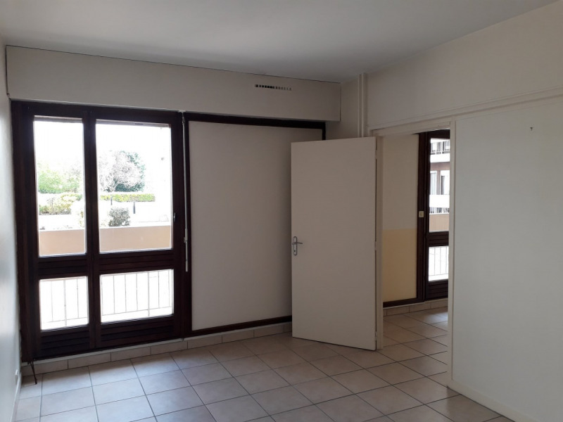 Sale apartment Angoulême 68200€ - Picture 2