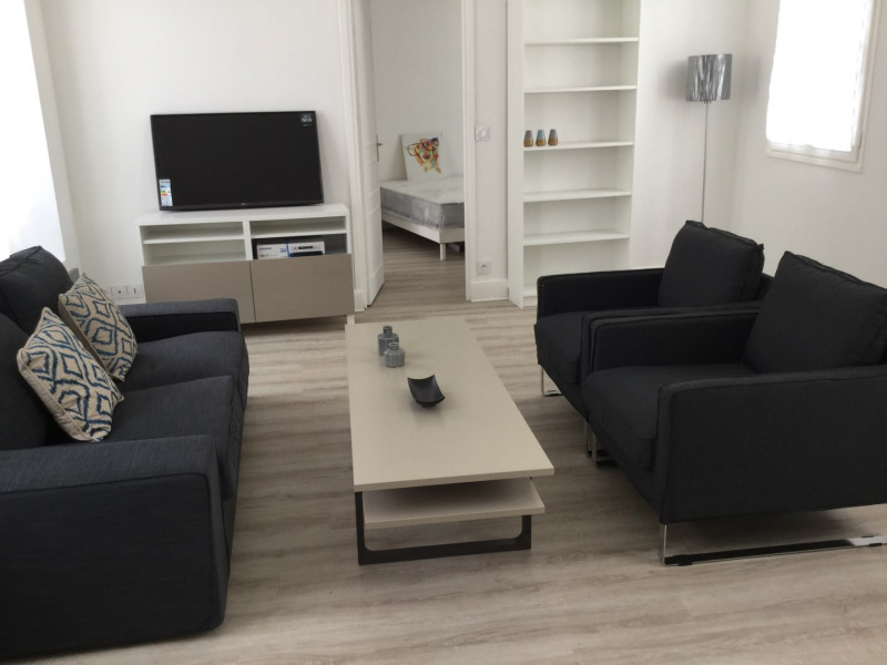 Rental apartment Fontainebleau 2 100€ CC - Picture 2