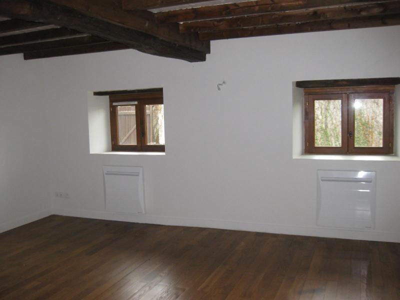 Location maison / villa Panissieres 700€ CC - Photo 5
