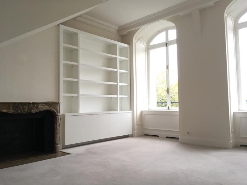 Location appartement Paris 8ème 2180€ CC - Photo 1