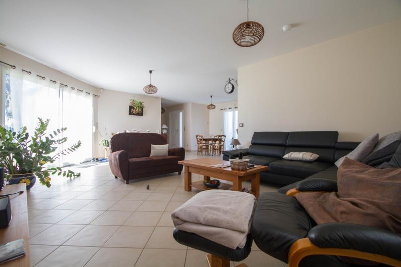 Sale house / villa Veyrac 199000€ - Picture 2