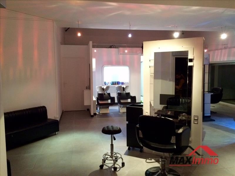 Location local commercial St joseph 1 105€ HT/HC - Photo 2