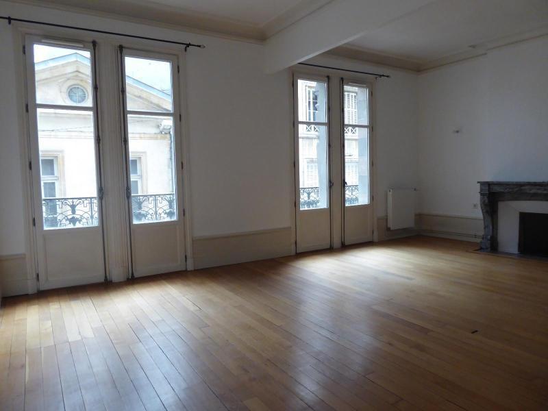 Location appartement Dijon 845€ CC - Photo 1
