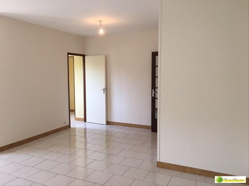 Rental apartment Hiersac 536€ CC - Picture 3