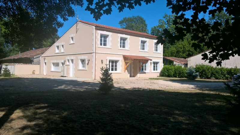 Location maison / villa Ars 1 200€ CC - Photo 1