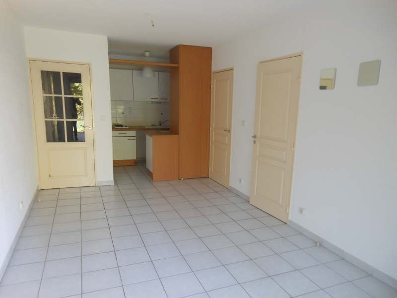Location appartement Nimes 510€ CC - Photo 2