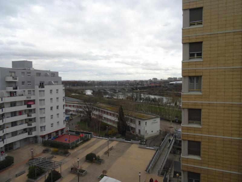 Sale apartment Caluire-et-cuire 150000€ - Picture 2