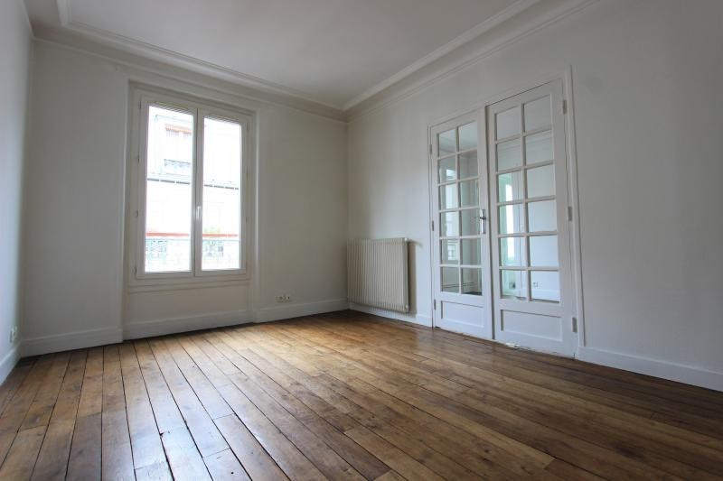 Sale apartment Paris 18ème 429 000€ - Picture 1