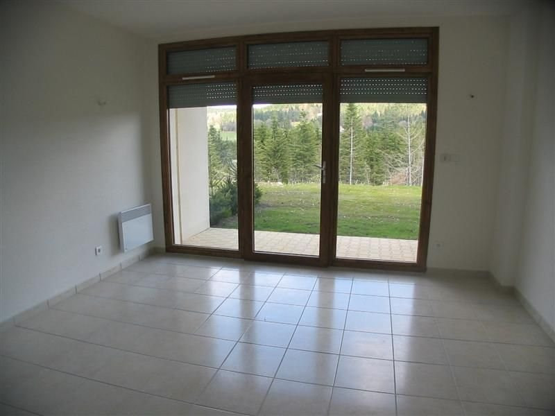 Rental apartment Le chambon sur lignon 420€ CC - Picture 1