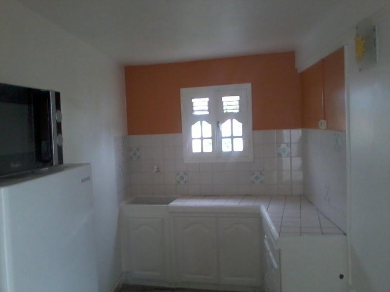 Location maison / villa Vieux fort 724€ CC - Photo 4