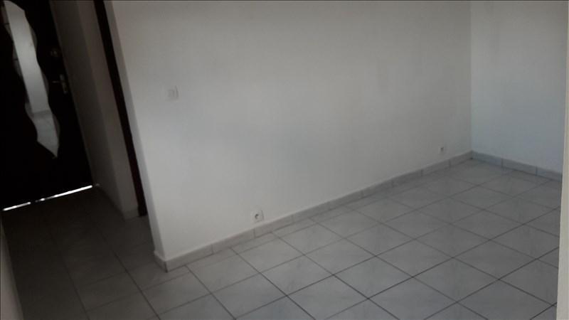 Rental house / villa Le gosier 480€ CC - Picture 3