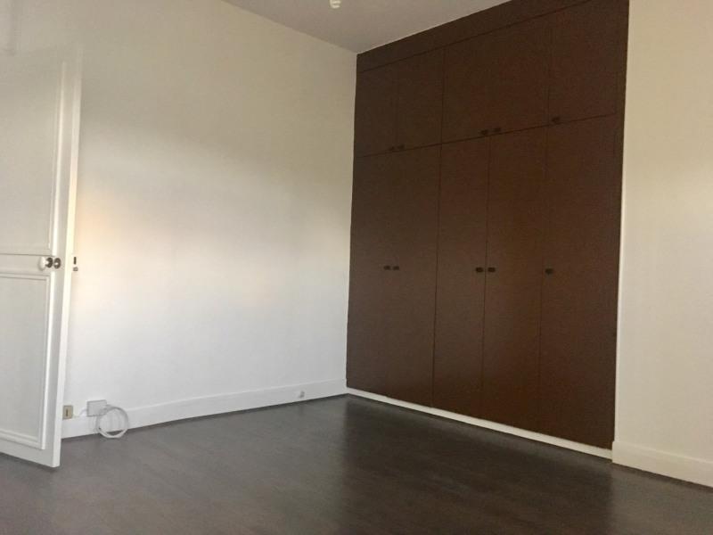 Location appartement Paris 8ème 1300€ CC - Photo 2