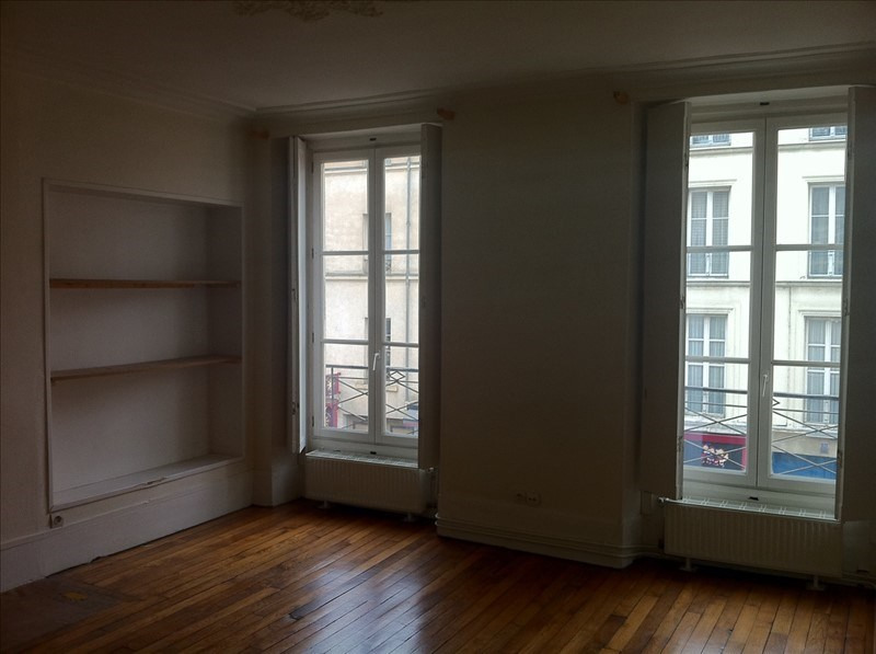 Rental apartment Versailles 1 182€ CC - Picture 1