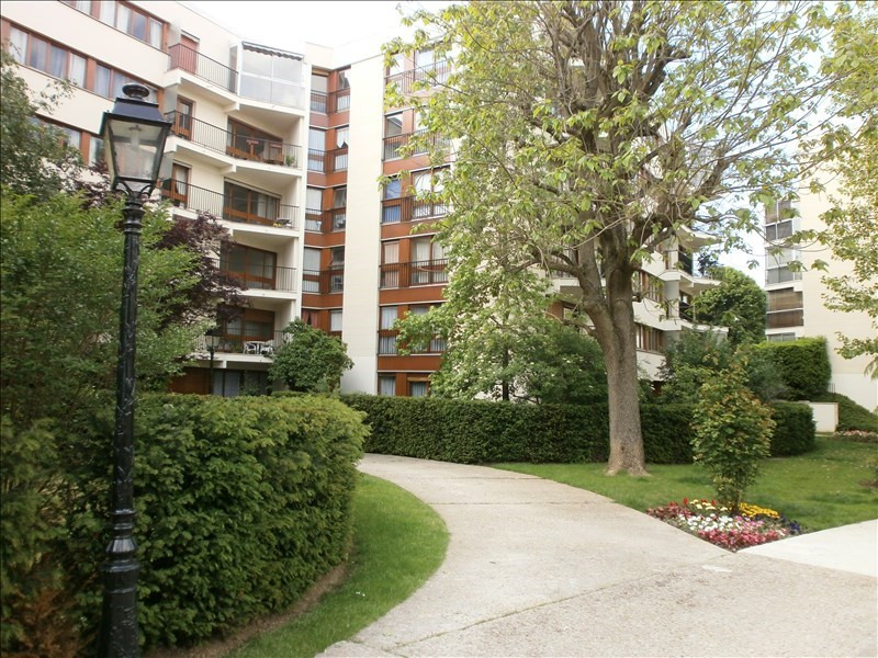 Location appartement Le chesnay 1017€ CC - Photo 1