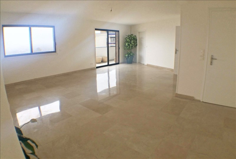 Deluxe sale apartment Gaillard 1 690 000€ - Picture 4