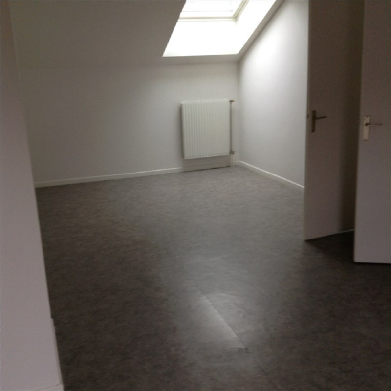 Location appartement St quentin 459€ CC - Photo 3