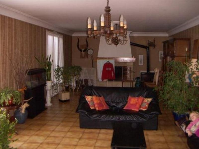 Rental house / villa Blanzac les matha 557€ CC - Picture 3